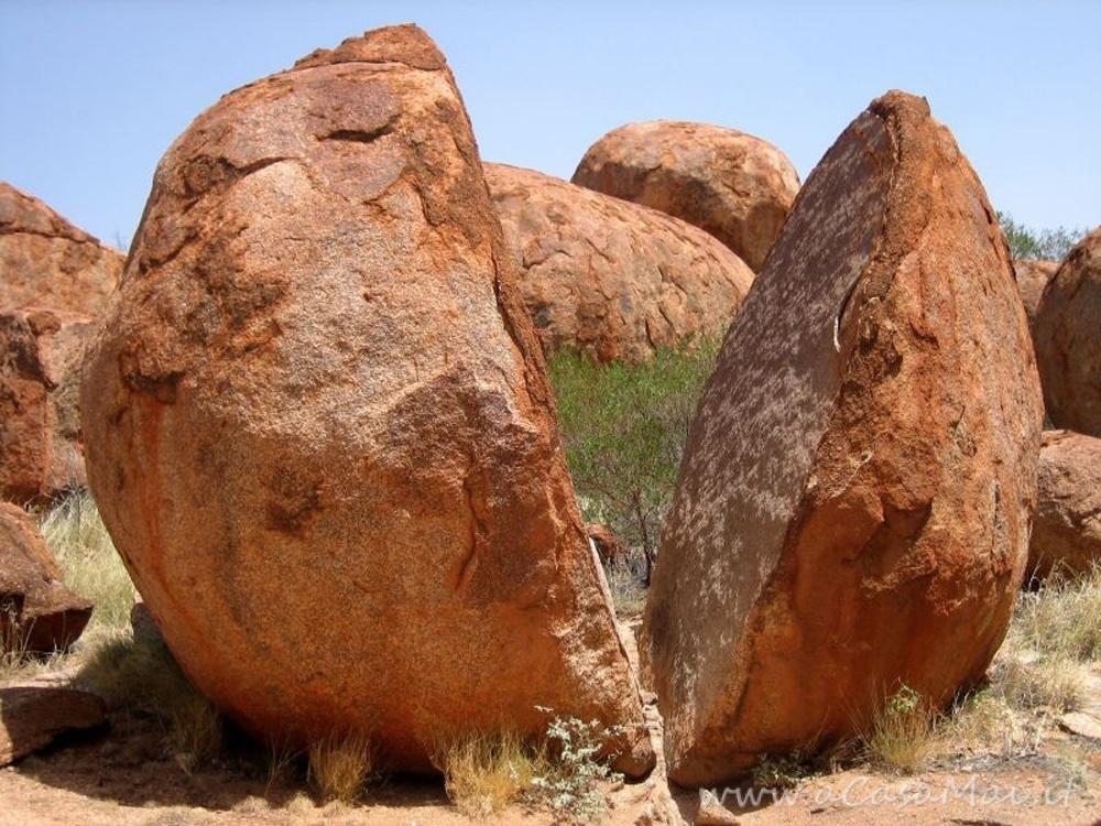 Devils Marbles, le biglie del diavolo nel deserto d'Australia