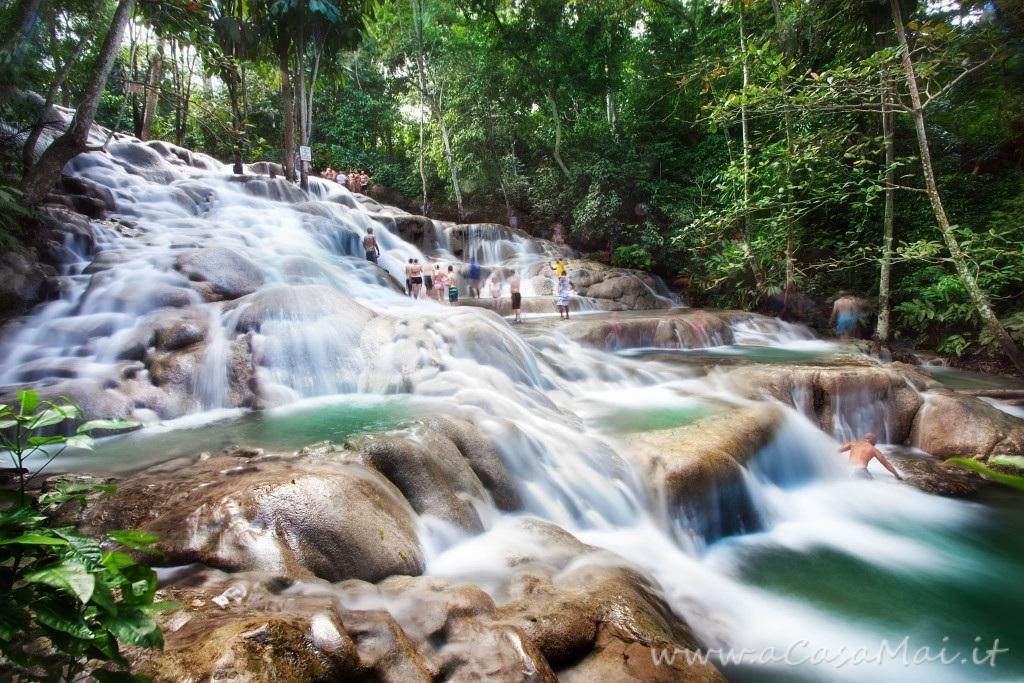 Le Dunn's River Falls jamaicane a Ocho Rios