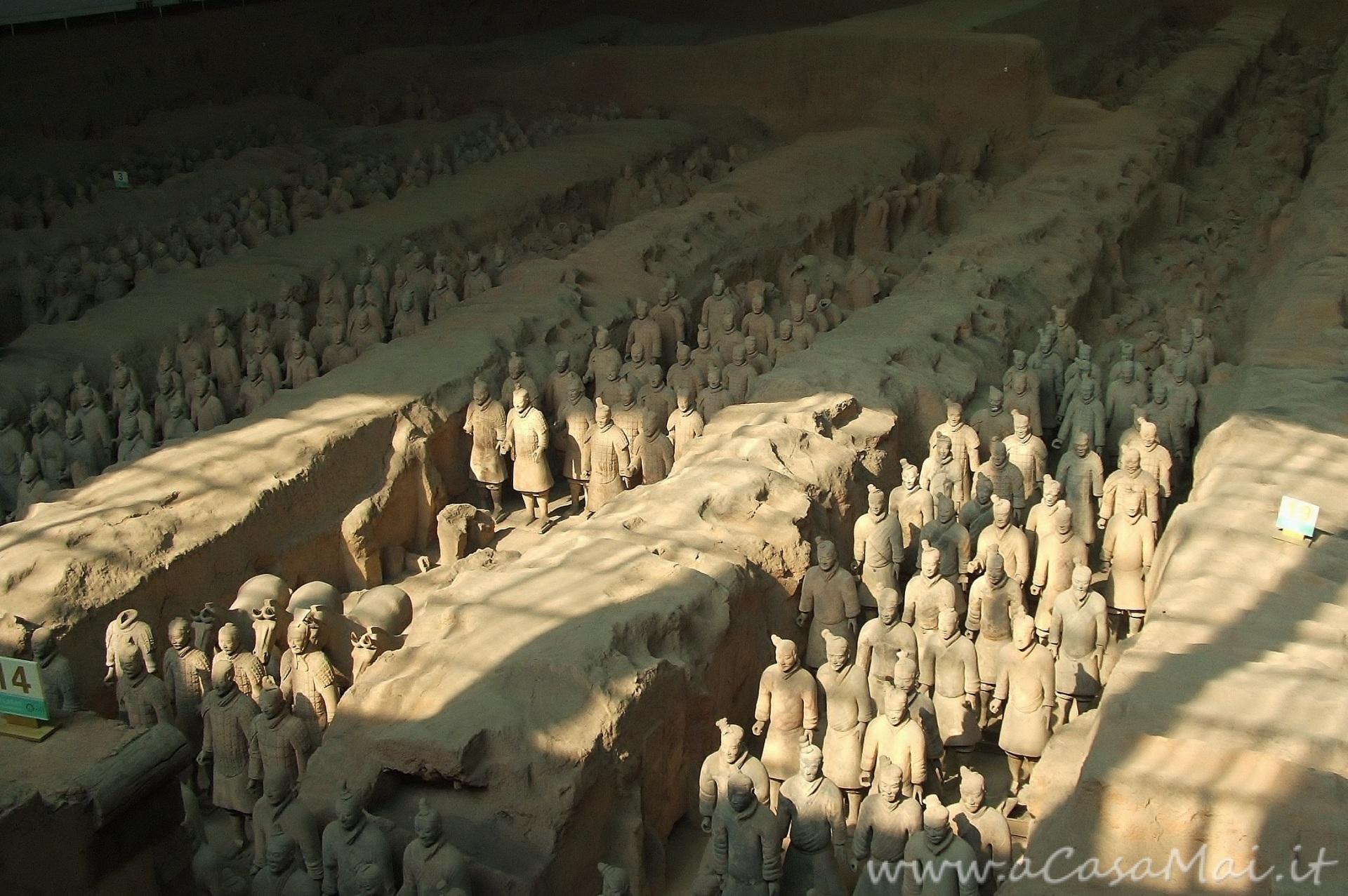 """vista dal """"balcone"""" sull'esercito di terracotta, Xi'An"""