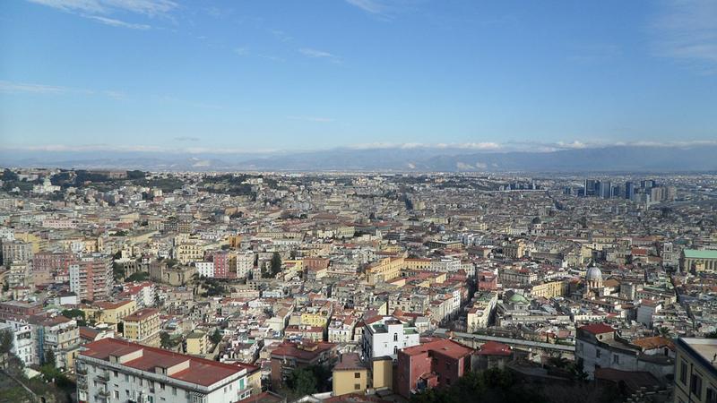 Toccata e fuga a Napoli, città di mare e sole