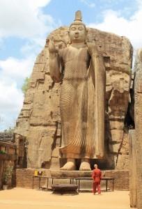 Statua di Aukana Buddha, Sri Lanka
