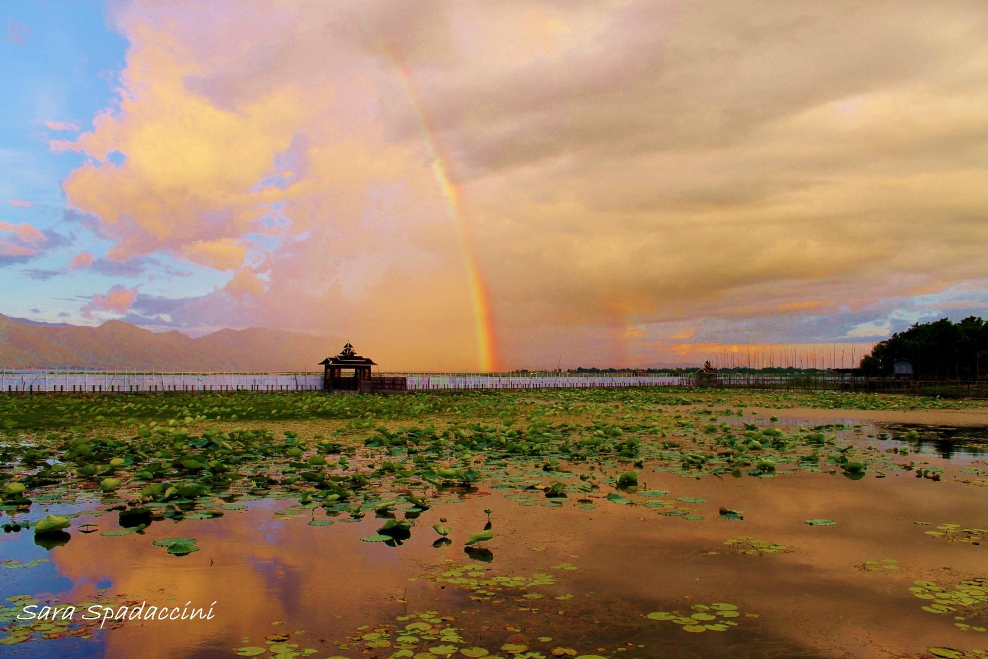 Arcobaleni sul lago Inle