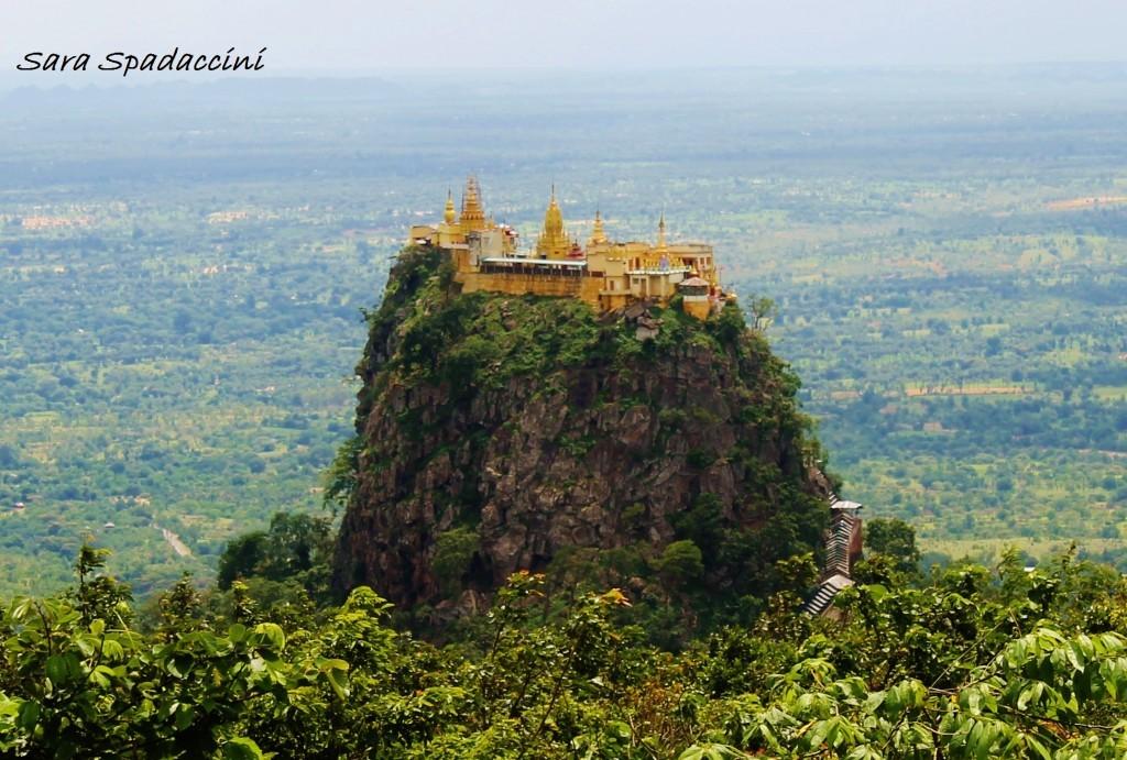Ultimi giorni in Myanmar: salita al Monte Popa