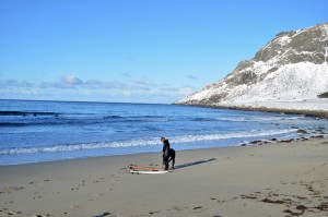 Surfisti in Norvegia - © Fabio Santacaterina (@bohemien86 su instagram)