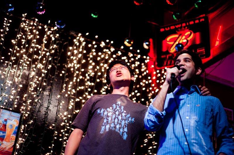 Il karaoke è una delle migliori cose da fare a Seoul e in tutta la Corea del Sud, è divertentissimo.