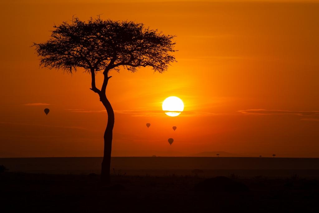 Kenya, tramonto sul Maasai Mara Masai