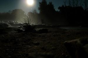 Farsi il bagno alle terme libere di Saturnia di notte