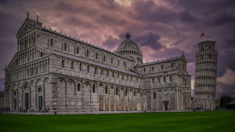 Piazza Duomo è uno dei migliori posti da visitare a Pisa