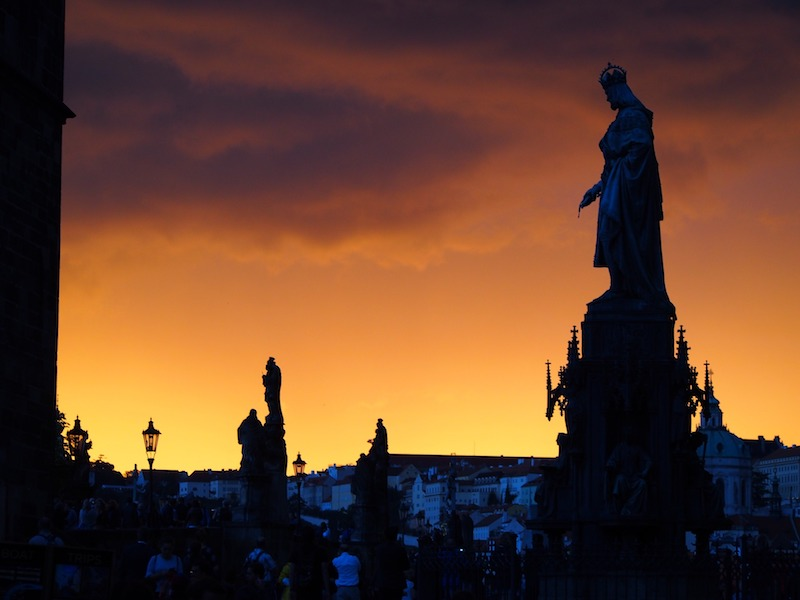 Le statue sul Ponte Carlo di Praga