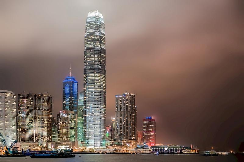 La skyline di Hong Kong vista dalla Star Ferry