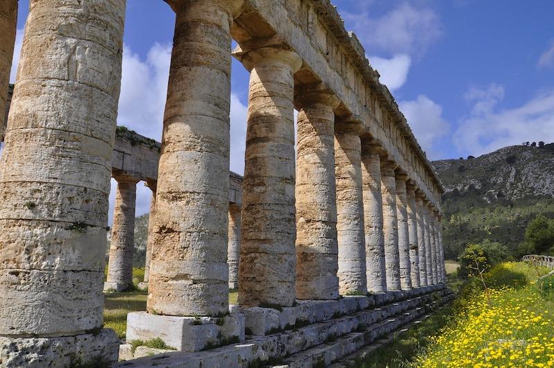 Il tempio dorico di Segesta è una cosa da vedere in Sicilia
