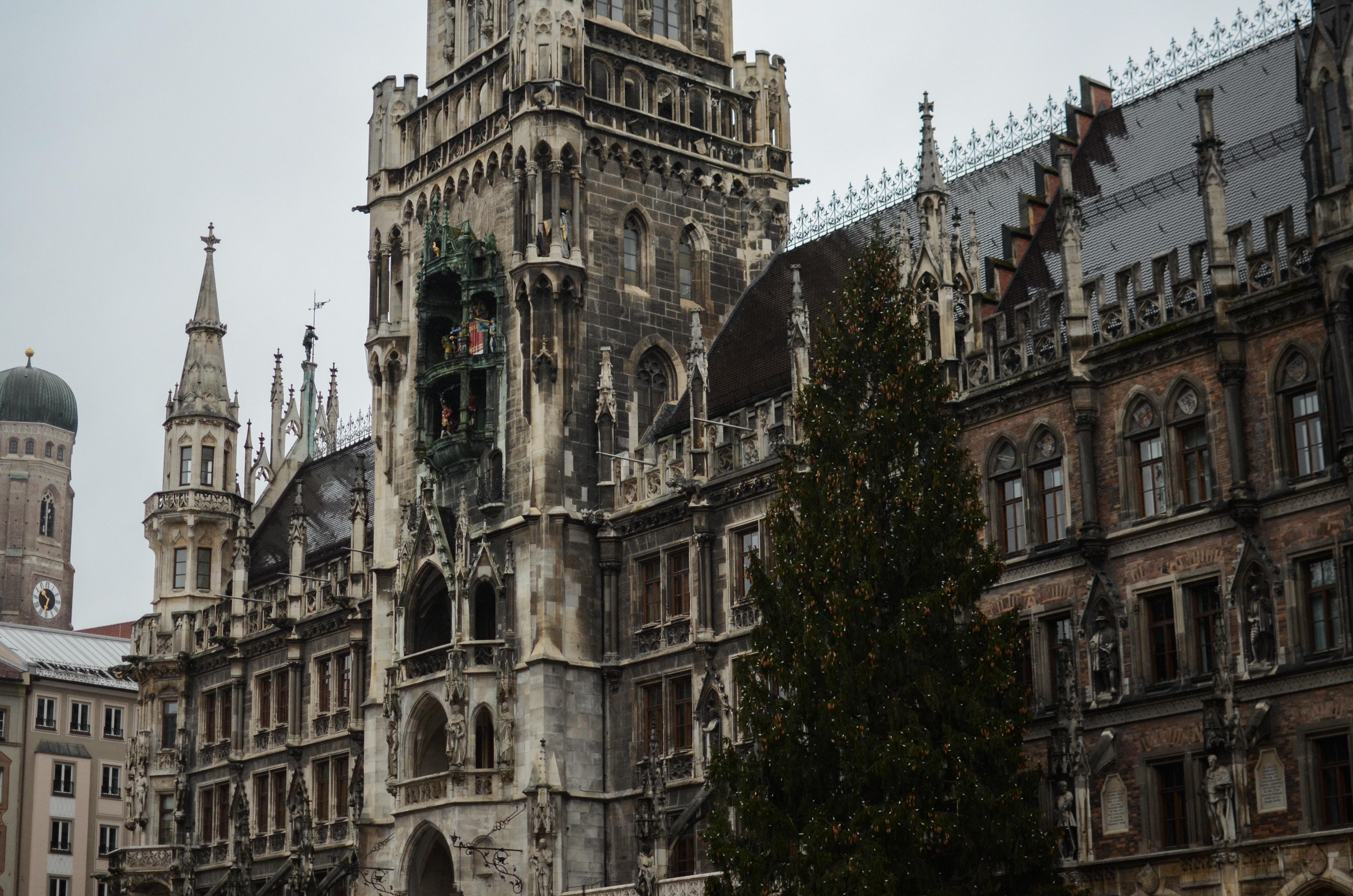 il Glockenspiel è un luogo di attrazione da visitare senza dubbio.