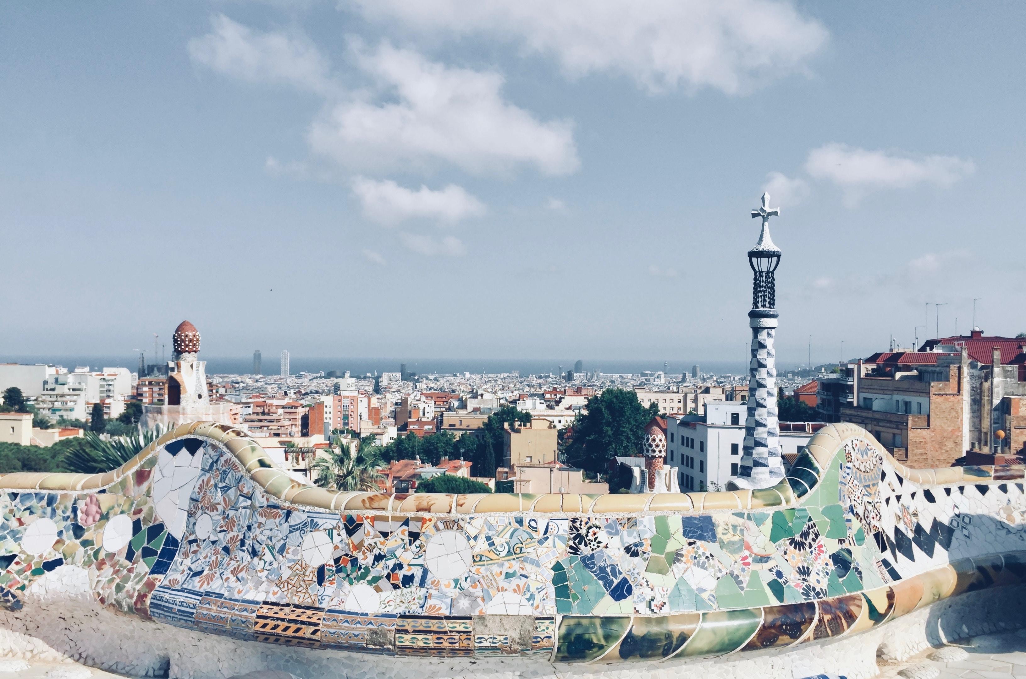 Visita il Parc Güell e tutto ciò che puoi scoprire in una vacanza a Barcellona