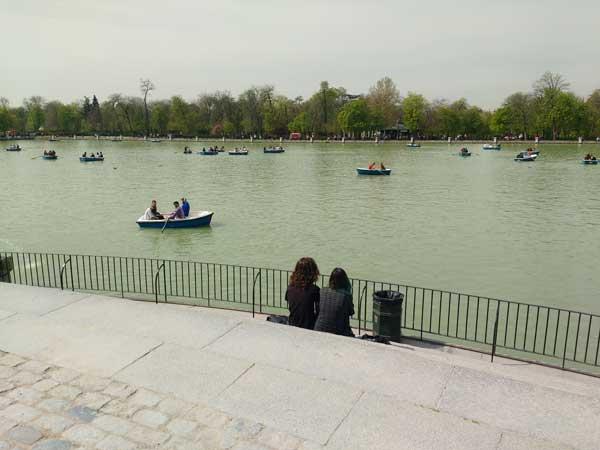 Viaggiare A Madrid Parco Del Retiro